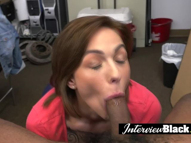 Casting with a sexy brunette babe who loves suck and sex